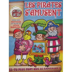 Les pirates s'amusent avec des tattoos et plein de jeux rigolos